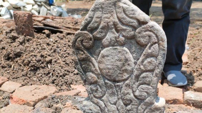 Nisan Pola Sulur Daun Kuno Ditemukan di Indramayu, Diduga Makam Mbah Kiai Buyut Sijem, Ini Sosoknya