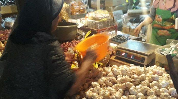Harga Cabai dan Bawang Merah Terus Menurun, Harga Bawang Putih Malah Melonjak