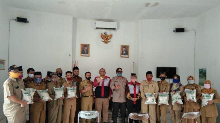 Baznas Majalengka Bagikan 1.800 Paket Sembako Gratis Kepada Warga Terdampak Covid-19