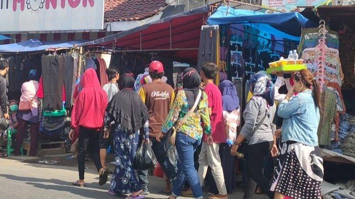 Hari ke-9 PSBB Jabar di Majalengka, Pasar Panjalin Makin Ramai, Pengunjung Cuek Enggak Pakai Masker