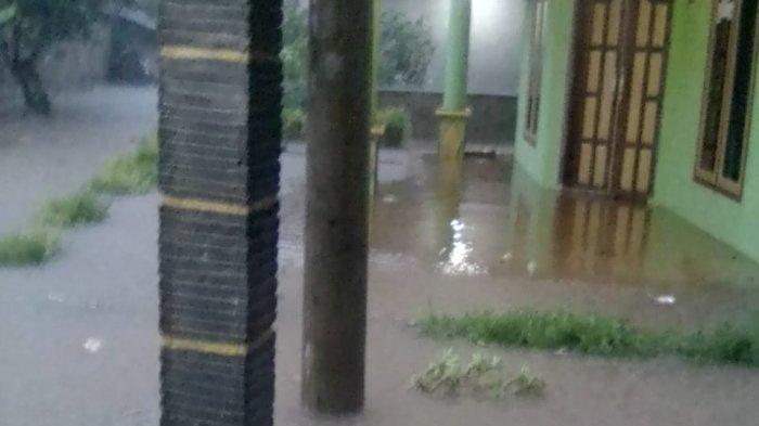 Anggota DPRD Kuningan Prihatin Warganya Terdampak Banjir