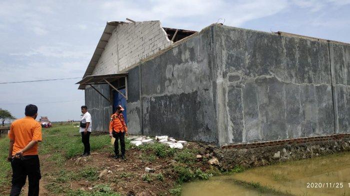 BPBD Catat Sudah 2 Kecamatan di Indramayu Diterjang Angin Puting Beliung, Puluhan Rumah Rusak