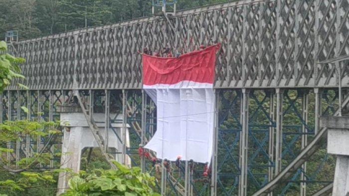 Dikira Mau Selfi, Pemuda Lari ke Tengah Jembatan Cirahong Tasikmalaya, Lalu Malah Terjun dan Tewas