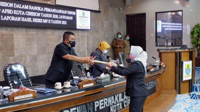 Fraksi-fraksi DPRD Kota Cirebon Sampaikan Pemandangan Umum Raperda PP APBD 2020