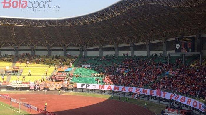 Laga Persija vs Badak Lampung, Suporter Persija The Jak Kritik CEO Persija Sebut Manajemen Bobrok