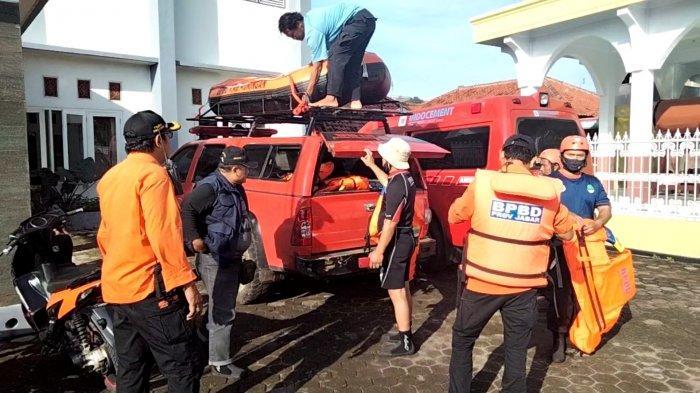 Hingga Kamis Siang Korban Hanyut di Cisanggarung Belum Ditemukan, Basarnas Cirebon Alih Komando SAR