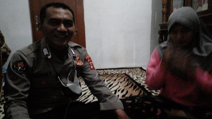 Atlet Peraih Emas Dheya Nazhira yang Pulang Naik Bus Dijemput Polisi di Jalan Raya Ciamis-Tasik