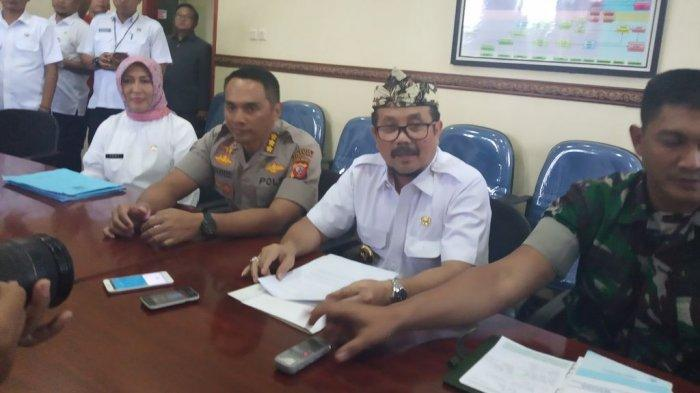 Cegah Penyebaran Virus Corona, Bupati Minta Camat se-Kabupaten Cirebon Awasi WNA & TKI di Wilayahnya