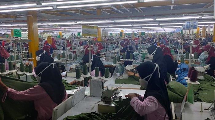 Pabrik di Majalengka yang Ditutup karena Belasan Karyawan Positif Covid-19 Disemprot Disinfektan