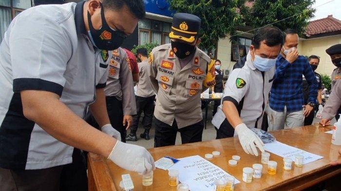 Sebanyak 900 Personel Polres Majalengka Test Urine Dadakan Buntut Kasus Kompol Yuni, Ini Hasilnya