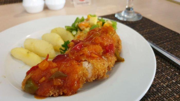 Nikmatnya Chicken Mozarella A La Hotel Santika Cirebon, Crispy di Luar dan Lembut di Dalam