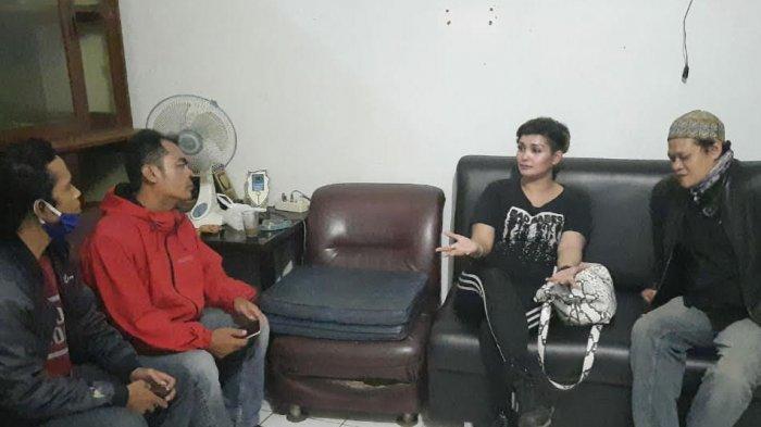 Lady Rocker Conny Dio Sambangi Tasikmalaya, Mau Gelar Konser Amal dan Temui Seorang Pria, Siapa Dia?