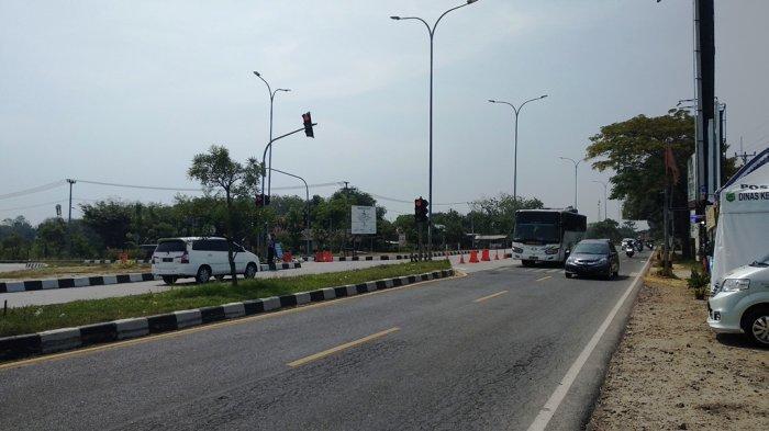 Siang Ini, Simpang 3 Jalan Raya Cirebon Palimanan Terpantau Ramai Lancar