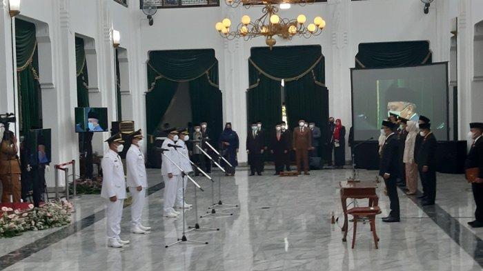 Dadang Supriatna dan Sahrul Gunawan Resmi Dilantik Jadi Bupati dan Wakil Bupati Bandung