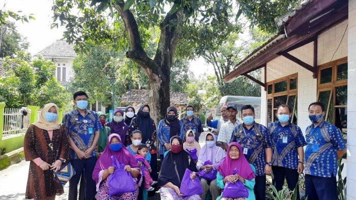 Memperingati Hari Bhakti Pemasyarakatan, Lapas Majalengka Bagikan Paket Sembako Kepada Masyarakat