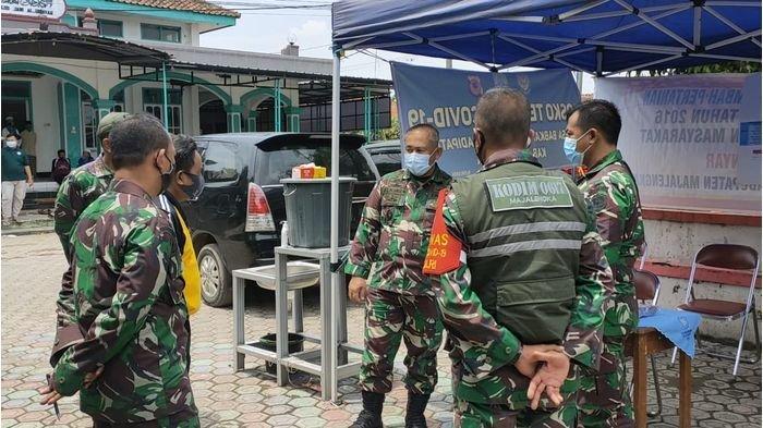 Danrem 063 SGJ Cirebon Tinjau Langsung Kinerja Posko Penanganan Covid-19 di Majalengka