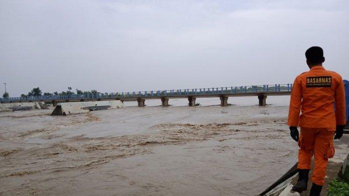 Status Sungai Cimanuk Indramayu Malam Ini Siaga, Masyarakat Diimbau Selalu Waspada