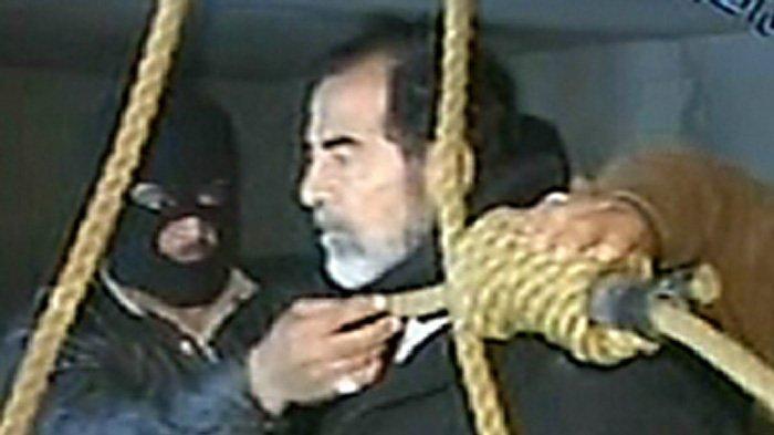 Detik-detik Eksekusi Mati Sang Diktator Saddam Hussein, 30 Desember 2006, Dipukuli hingga Diludahi