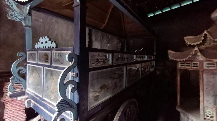 Ada Kereta Jenazah Kuno Berusia Ratusan Tahun di Vihara Dharma Rahayu Indramayu, Begini Kondisinya
