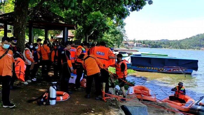 Waduk Darma Jadi Lokasi Petugas BPBD Kuningan Latihan Evakuasi Korban di Perairan
