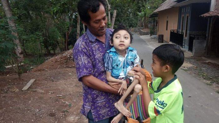 Kisah Pilu Dimas, Usia 12 Tahun Hanya 10 Kg, Lahir Prematur Ibu Meninggal, Bapak Jadi Tukang Ojek