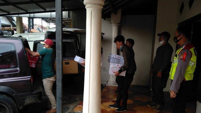 Surat Suara Pilkades Serentak di Majalengka Mulai Didistribusikan ke Kecamatan, Dikawal Polisi