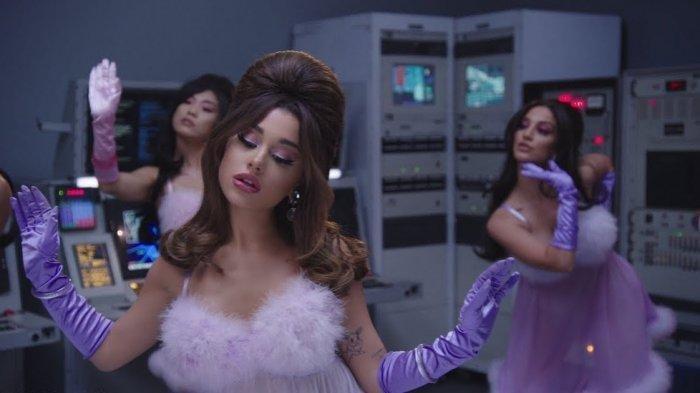 Download Lagu 34+35 - Ariana Grande Lengkap Lirik Lagu dan Video Klip Sempat Trending di Youtube