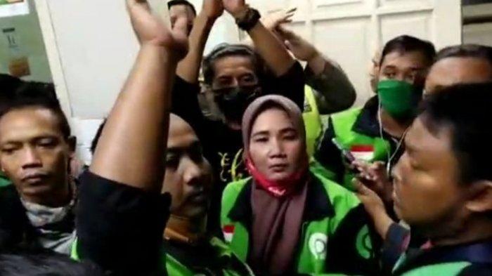 Driver Ojol Perempuan di Surabaya Ini Kecelakaan dan Meninggal, Ternyata Positif Covid-19