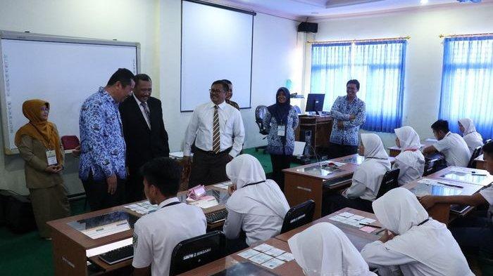 Bupati Indramayu Keluarkan Kebijakan Siswa SD yang Ingin Masuk SMP Perlu Lampirkan DTA
