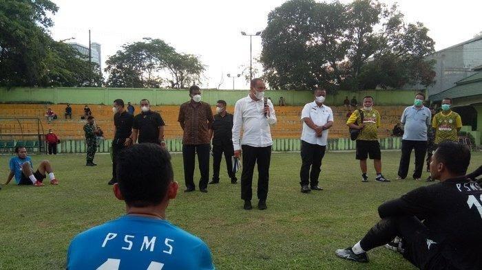 Gubernur Sumut Edy Rahmayadi Datangi Kebun Bunga Bakar Semangat Pemain PSMS Medan