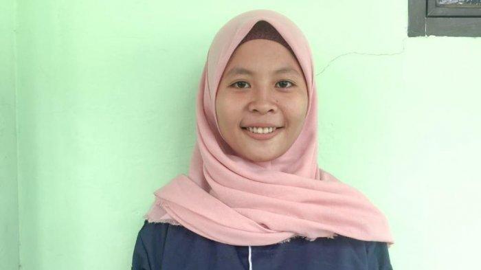 SALUT Rela Jadi Pelayan Wakop Demi Biaya Kuliah, Mahasiswi UIM Ini Tidak Mau Membebani Orangtua