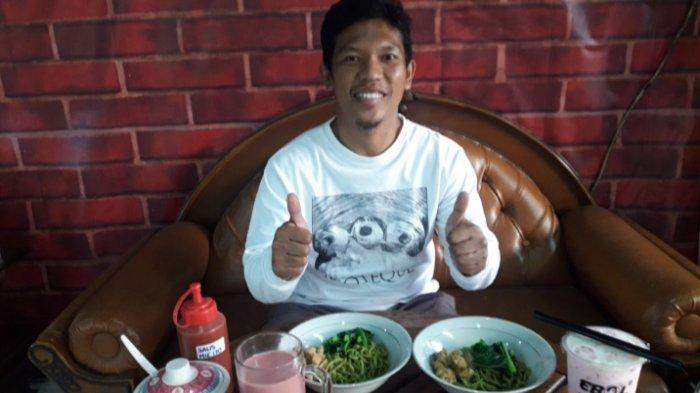 Eks Persib Bandung Eka Ramdani Merumput Lagi, Tunjukkan Jersey Kuning Nomor 8, Siap Cetak Gol