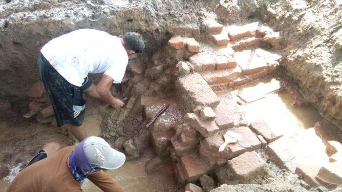 Arkeolog Ungkap Fakta Lain di Lokasi Dugaan Candi Sambimaya, Temukan Susunan Bata Dutch Bond
