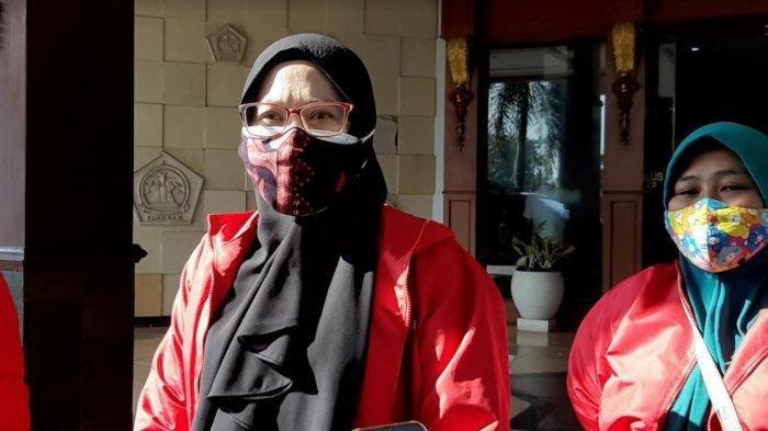 Emak-emak 3 Anak Berjihad Jadi Relawan Pemulasaraan Jenazah Covid-19, Begini Reaksi Keluarga