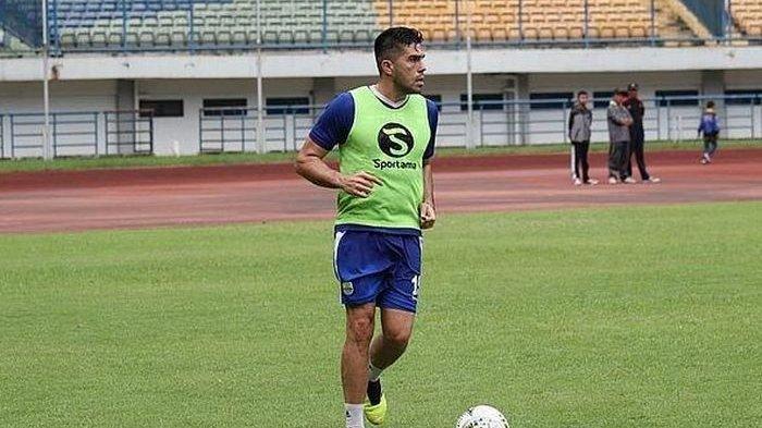 Fabiano Beltreme Hanya Catatkan Satu Menit di Laga Resmi Persib Bandung