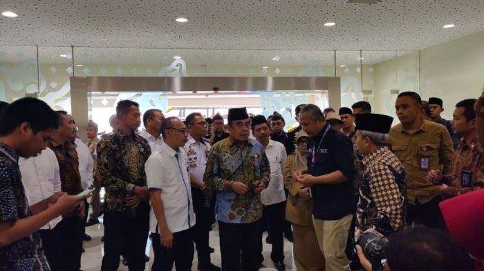 BREAKING NEWS Menteri Agama Fachrul Razi Datangi Bandara BIJB Kertajati Majalengka Periksa Fasilitas
