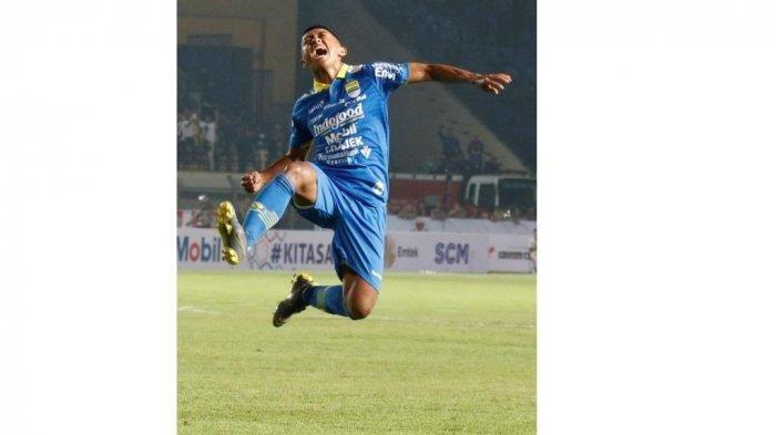Persib Bandung vs Persebaya, Febri Haryadi Jadi Bintang Lapangan, Cetak 2 Gol Bawa Persib Unggul 4-0