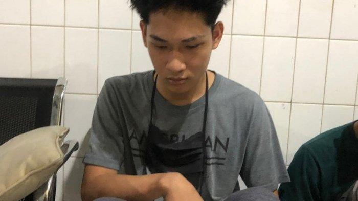 Ferdian Paleka Youtuber Prank Sembako Sampah DItangkap di Jalan Tol Tangerang