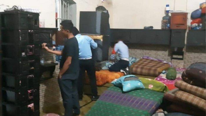 Petugas Lapas Kelas IIB Purwakarta Geledah Sel Warga Binaan, Barang Ini Yang Didapat dari Dalam Sel
