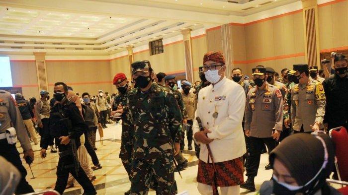 Kapolri & Panglima TNI Imbau Masyarakat Disiplin Terapkan Protokol Kesehatan Meski Telah Divaksin