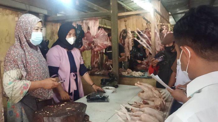 Tim Satgas Pangan Majalengka melakukan sidak di Pasar Talaga, Senin (12/4/2021).