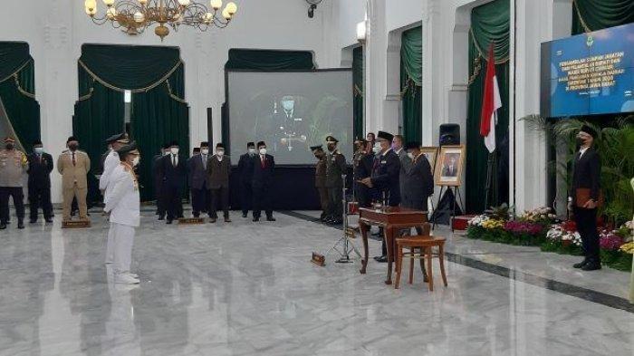 Sah, Herman Suherman-Tb Mulyana Syahrudin Dilantik Jadi Bupati dan Wakil Bupati Cianjur