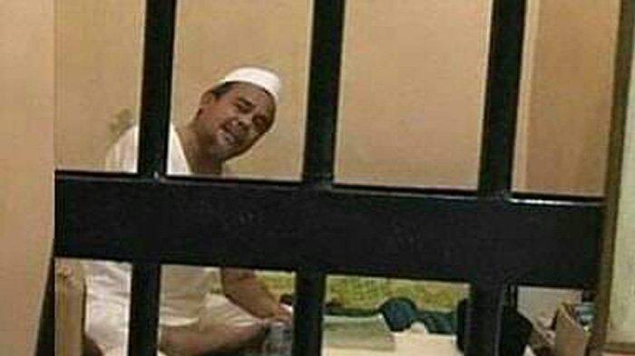 Nyaris Pingsan Habib Rizieq Shihab Teriak Minta Tolong di dalam Rumah Tahanan, Ini Penyebabnya