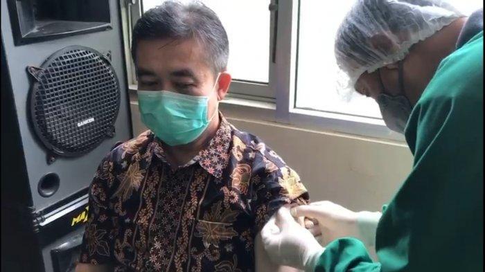 Vaksinasi Hari Kedua di Puskesmas Munjul Majalengka, Layanan Kesehatan Ditutup Lebih Awal