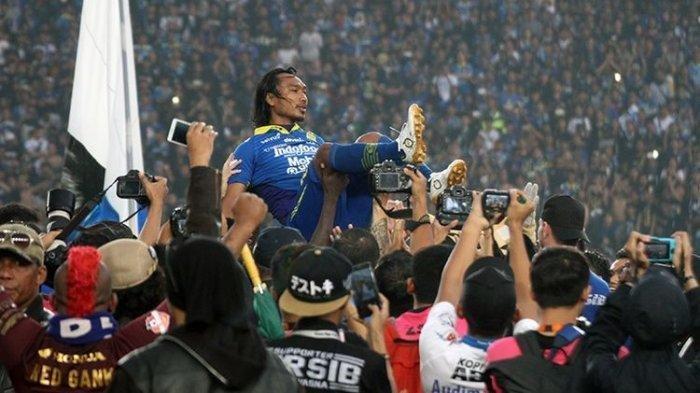 Laga Terakhir Persib Bandung vs PSM Makassar Jadi Perpisahan untuk Hariono, Supardi Nasir Menangis