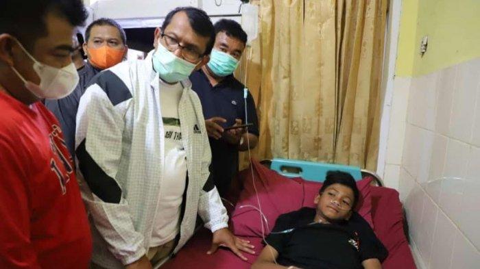 Wakil Bupati Garut Helmi Budiman mengatakan Gibran merupakan seorang remaja tanggung yang mampu bertahan hidup seorang diri di Gunung Guntur.