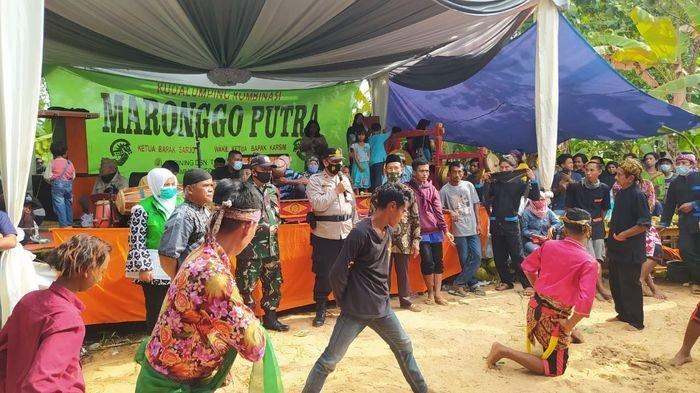 Pesta Pernikahan di Ciamis Berubah Sepi Pemain Diam Mematung Saat Tampilkan Ebeg, Dibubarkan Polisi