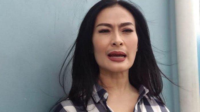 Iis Dahlia Salah Nyanyikan Lagu Opick yang Berjudul Ramadhan Tiba Jadi Marhaban Tiba, Videonya Viral