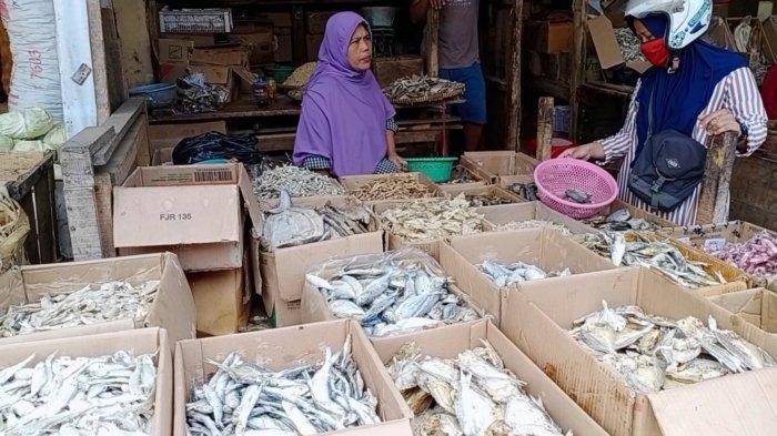 Daftar Harga Ikan Asin di Pasar Kepuh Kuningan, Cumi-cumi Masih Mahal