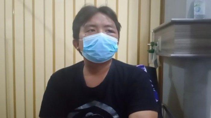 Imam, seorang guru yang selamat dalam kecelakaan maut di Jalan Raya Wado-Malangbong.
